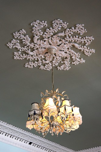 Dolly's - chandelier