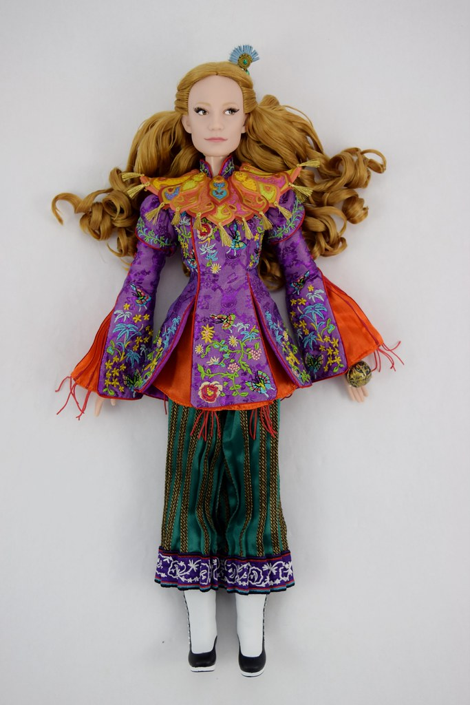 Alice Limited Edition 17 Doll Alice Through The Lookin