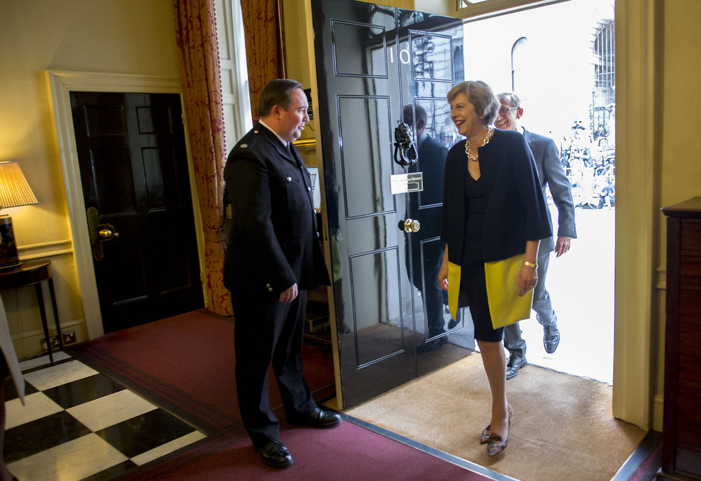 PM Theresa May arrived in 10 Downing Street | Prime ...