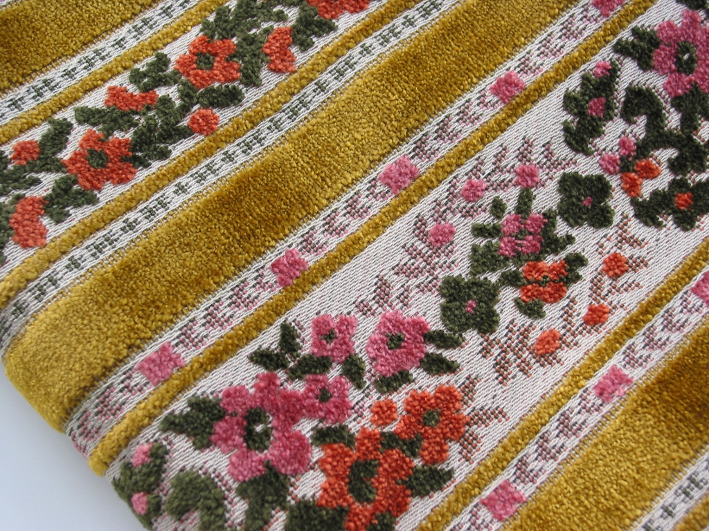 Vintage Cut Velvet Upholstery Fabric A Pretty Pink Floral Flickr