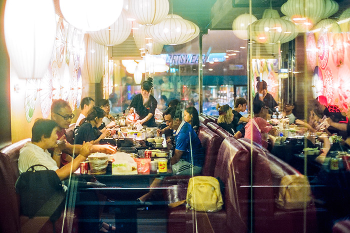 © 2016. Ximending in Wanhua District. Tuesday, Sept. 6, 2016. CineStill 800T +1, Canon EOS A2.