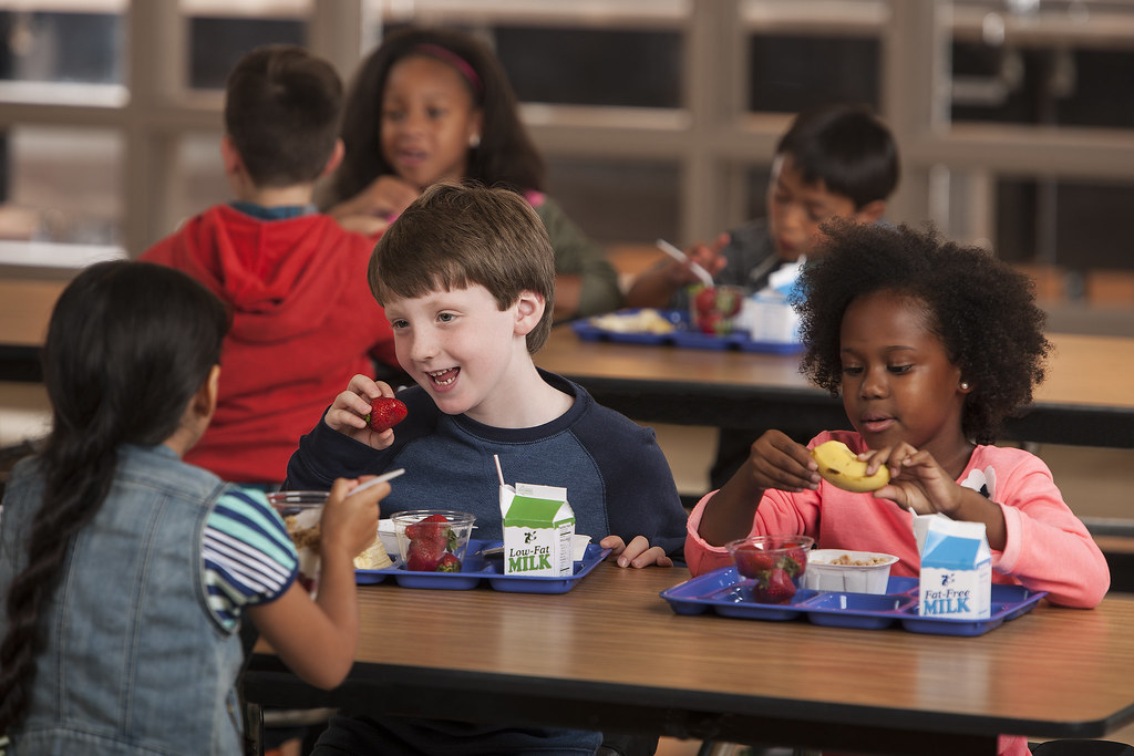 Children eating lunch at school | The U.S. Department of ...