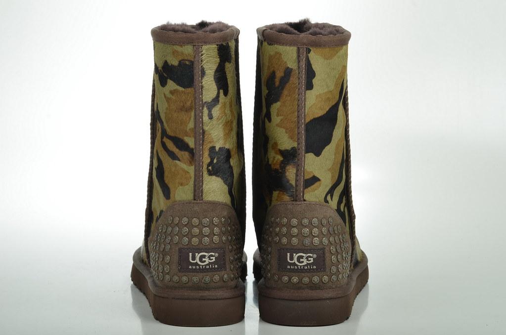 Ugg Stiefel Leder schwarz Lammfell Nieten gr. 10 41 NEU in