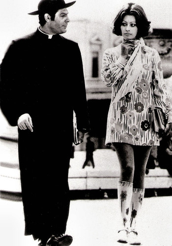 Marcello Mastroianni and Sophia Loren in La Moglie del Prete