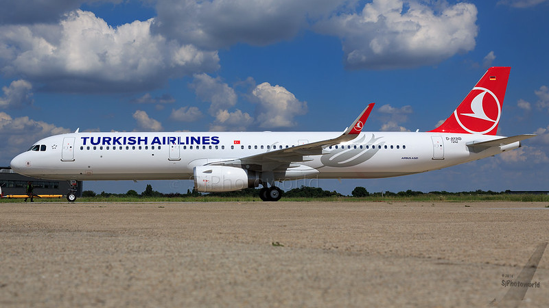 Turkish Airlines Airbus A321-2 TC-JTM