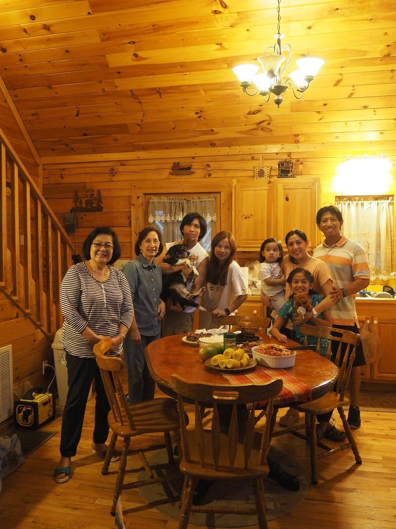 log-cabin-kitchen-entrance-24