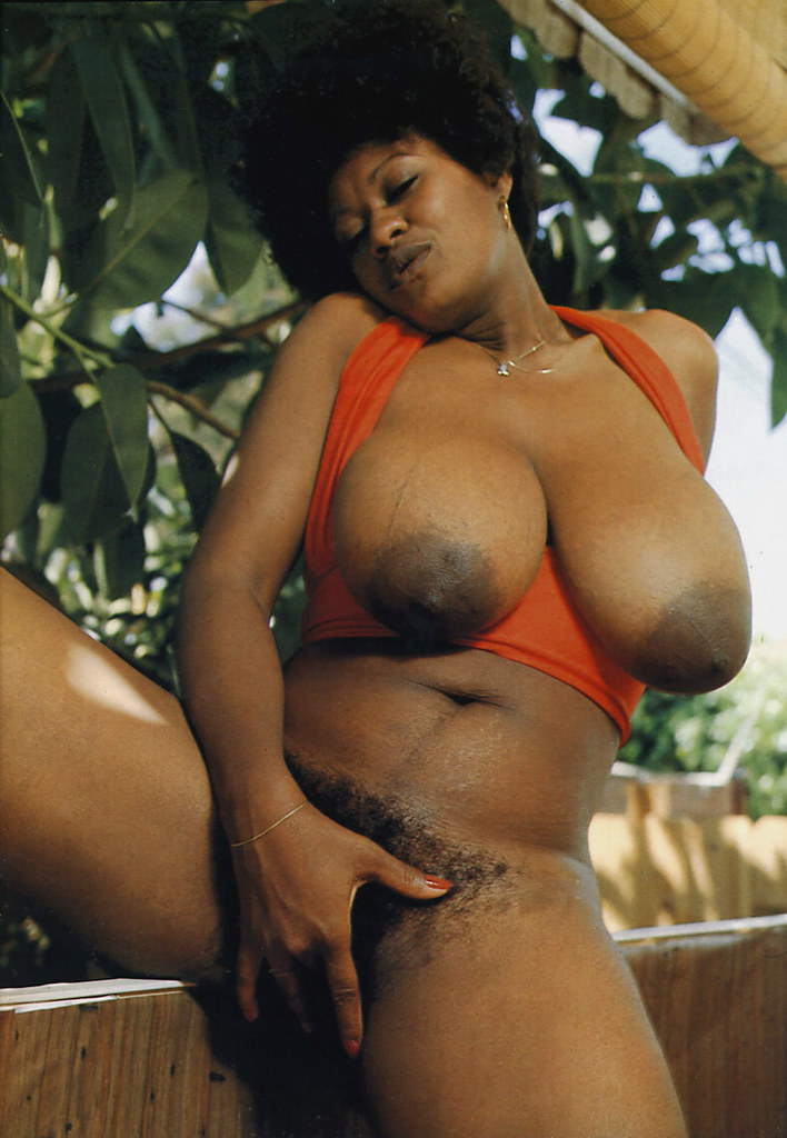 Retro ebony tits
