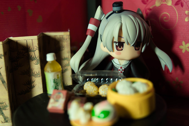 Amatsukaze: I know, obviously, which was why I wanted to cheer you up and have a celebration despite the date.