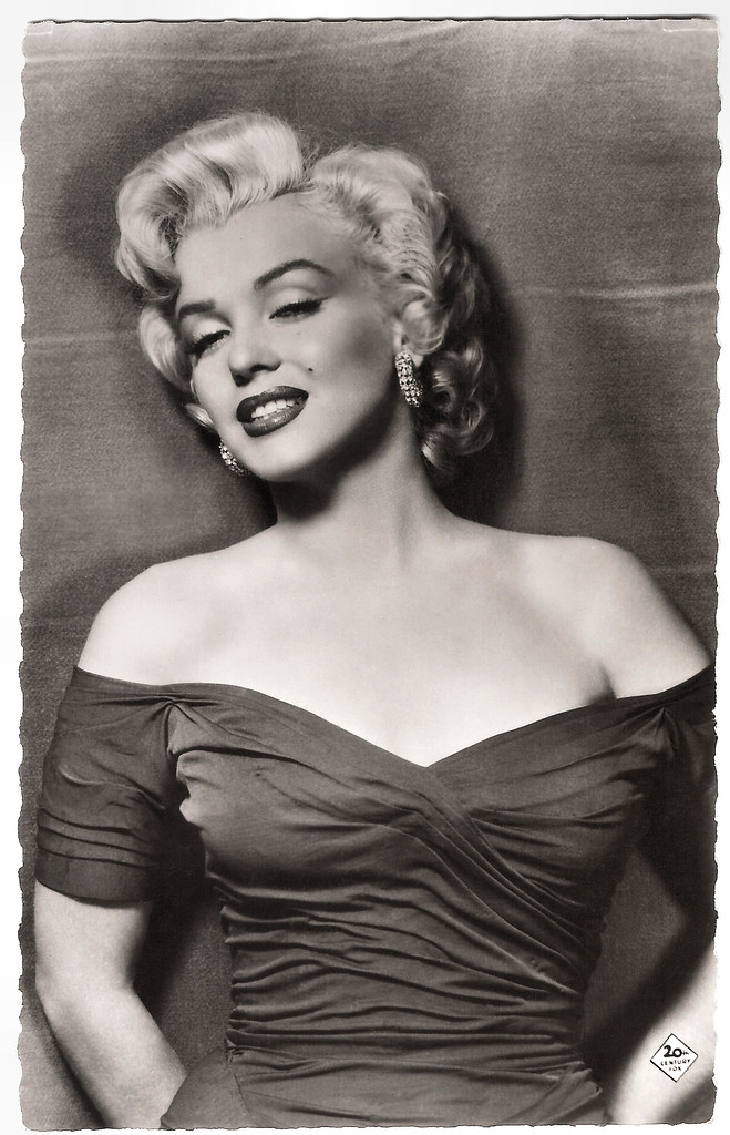 Marilyn Monroe Living Room Decor: French Postcard By Editions P.I., Offered