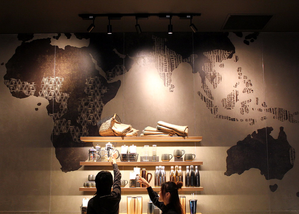 starbucks-reserve-marina-bay-sands-wall-decoration
