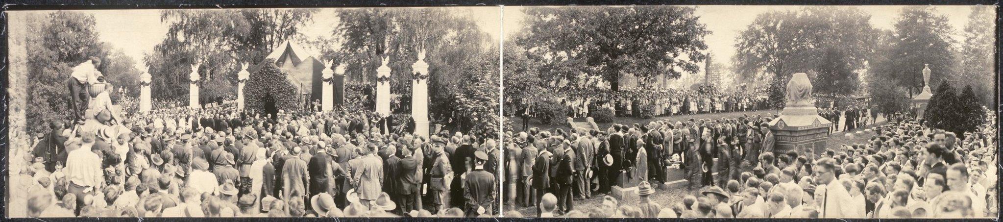Where President Warren G. Harding sleeps in New Shrine of Patriotism, Marion Cemetery LCCN2007663481 | by Fæ
