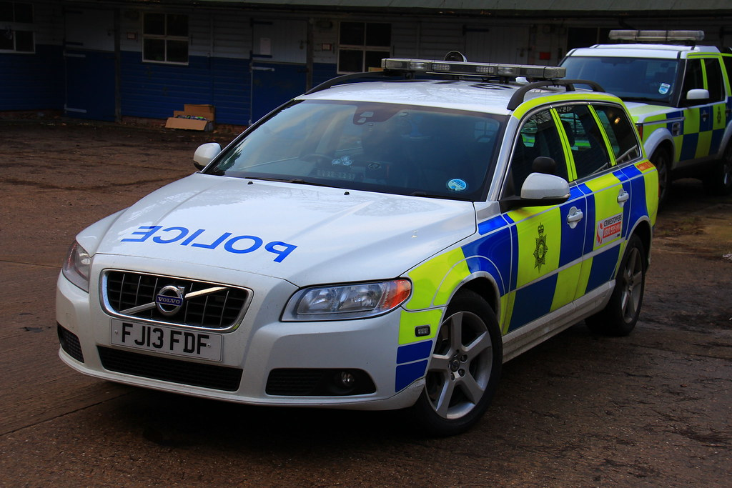 Nottinghamshire Police Volvo V70 D5 Roads Policing Unit Tr… | Flickr