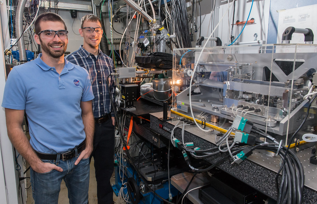 NASA engineers developing rocket propulsion hardware | Flickr