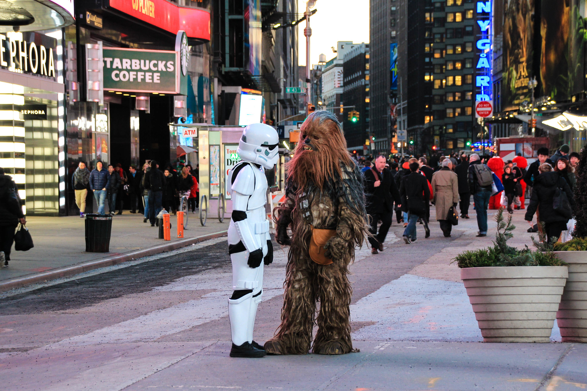 Star Wars characters talking in New York City