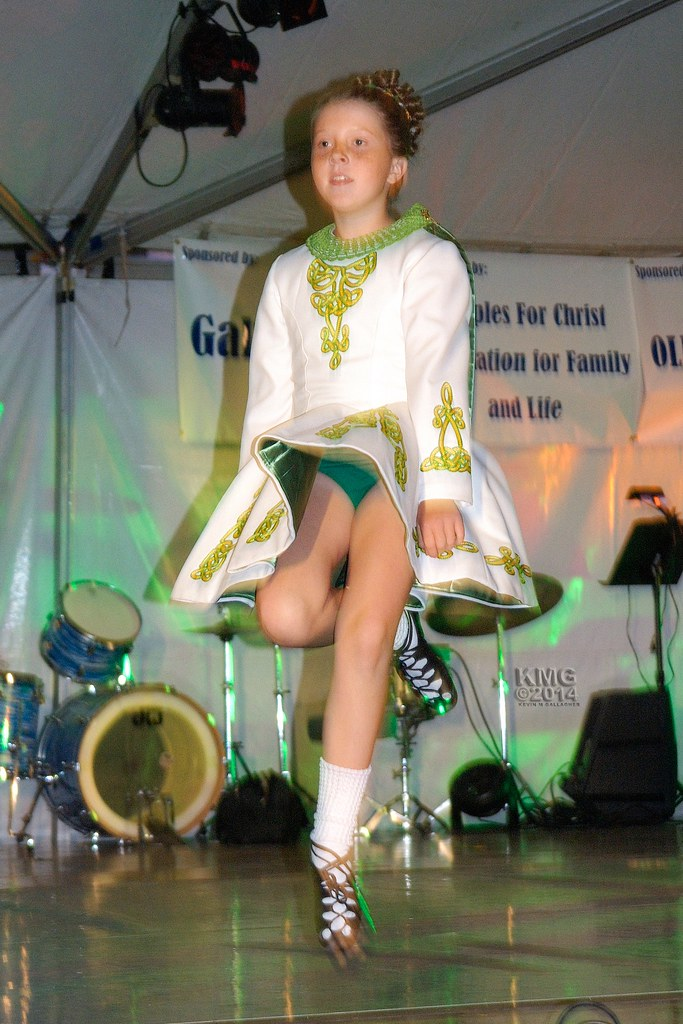Green And White Step Dancing  Kevin Mg  Flickr-3111