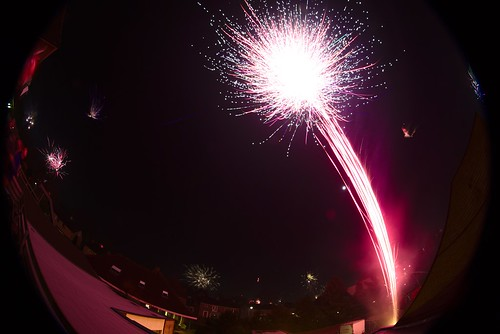 New Year's Day Fireworks over Ermelo (2015) | by dvanzuijlekom