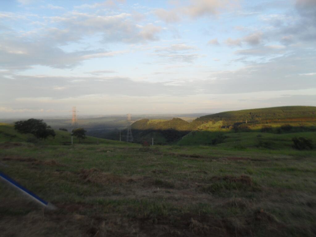 Na linda paisagem da Cuesta, a sombra da noite começa a se impor