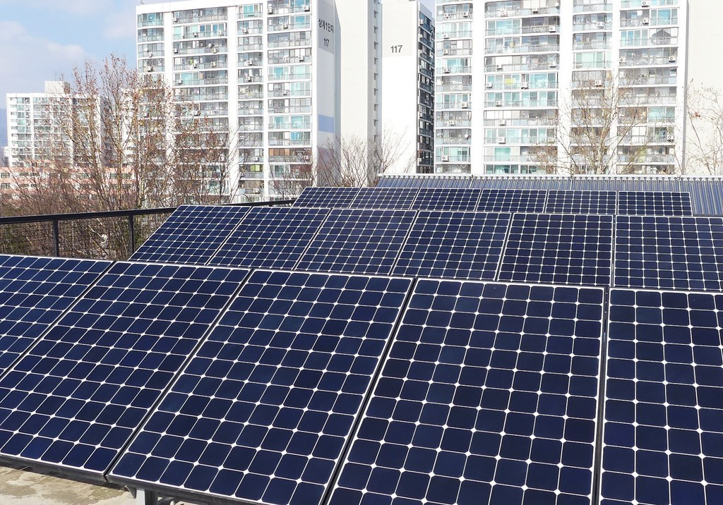 屋頂太陽能板。攝影:陳文姿。
