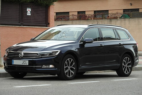 volkswagen passat b8 variant 2014 volkswagen passat va flickr. Black Bedroom Furniture Sets. Home Design Ideas