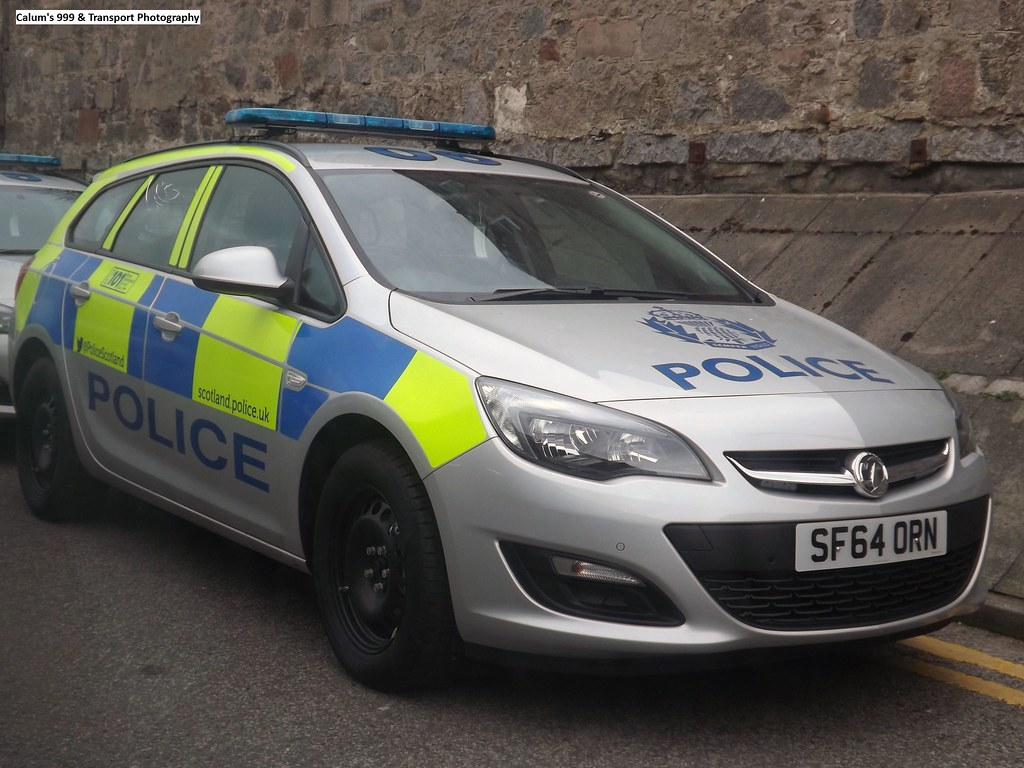 ... Police Scotland  Brand New Vauxhall Astra Sports Tourer  Incident  Response Vehicle  SF64 ORN