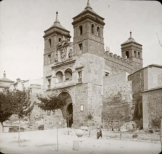Puerta del Cambrón hacia 1905 fotografiado por Alois Beer. Fotografía editada y publicada por E. Mazo para linterna mágica MTFFD026494_P