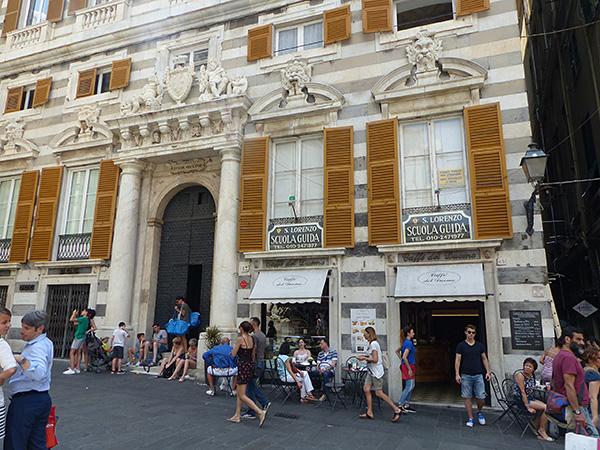 palais devant san lorenzo