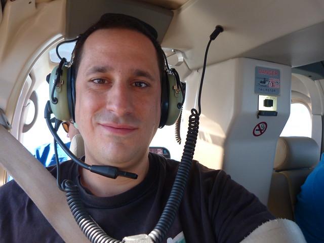 Sele en helicóptero sobrevolando Ciudad del Cabo