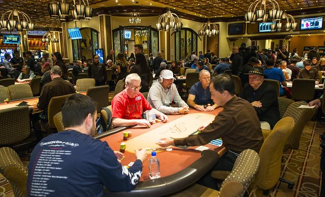 Trgala texas holdem poker chip hilesi