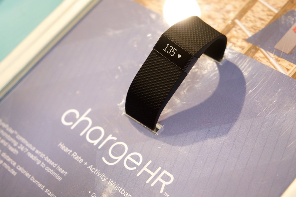 Fitbit Charge  How To Changw Time When Traveling
