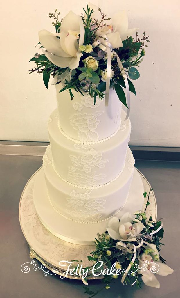 Piped Lace Panels Wedding Cake | A copy of my Lace Panels We… | Flickr