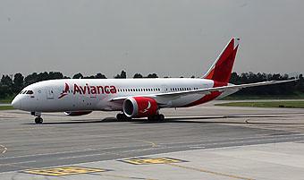 Avianca B787 taxiing (Avianca)