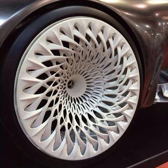 Insane Wheel Design On A Mercedes Benz Would Be A Bitch T