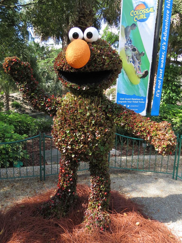 Elmo Topiary | Bird Gardens, Busch Gardens Tampa | meeko_ | Flickr