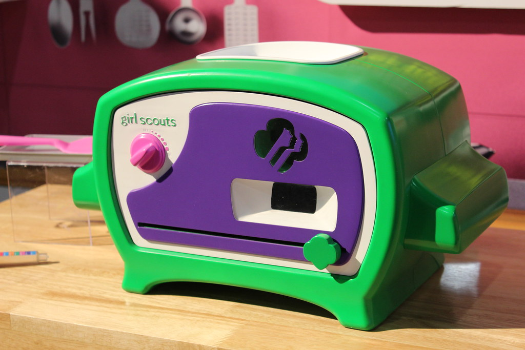 Coolest Toys 2015 : Toy fair wicked cool toys girl scout cookie oven