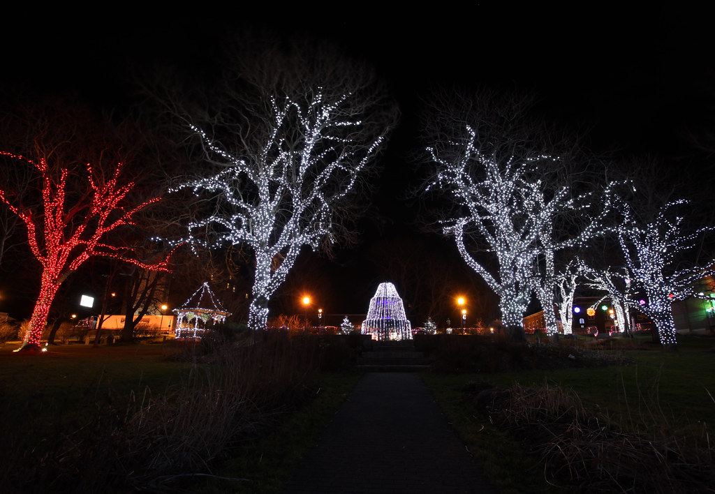 Frost Park Christmas Lights, Yarmouth Nova Scotia | IMG ...