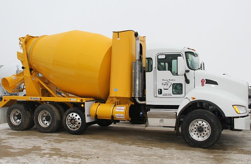 Kenworth - T440 CNG Mixer | by TruckPR