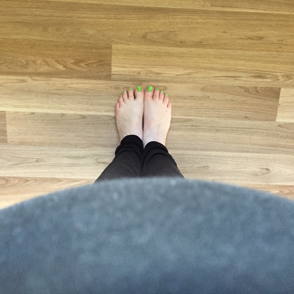 treated myself to a pedicure with a nice green polish. can't. reach. toes.