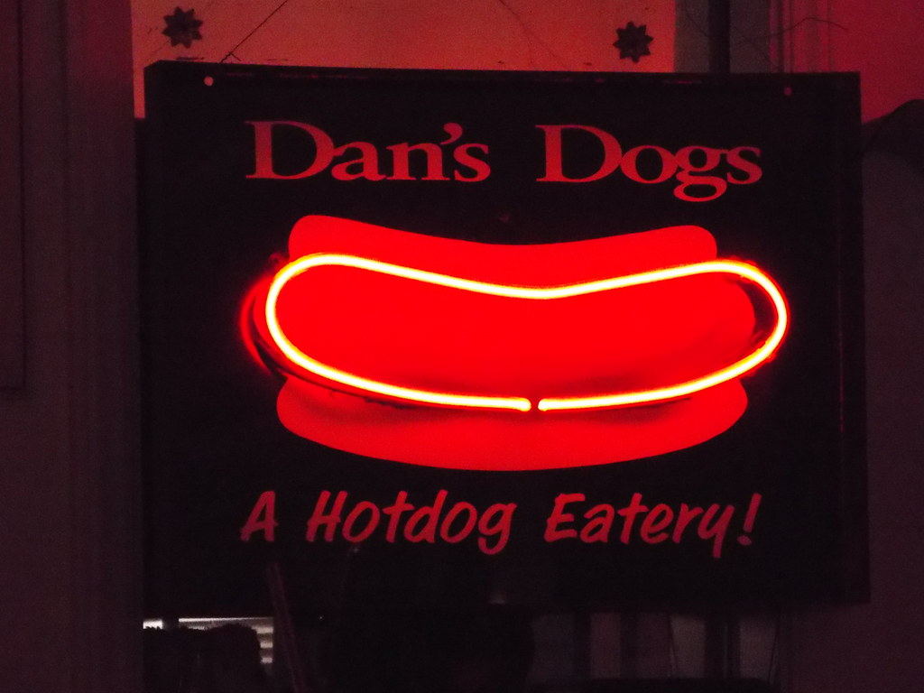 Dans Dogs A Hot Dog Eateryin Medina Ohio I Love Signs And Flickr