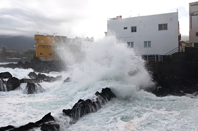 Wave and house, Punt Brava, Puerto de la Cruz, Tenerife