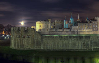 The Tower of London & the Moon | by neilalderney123