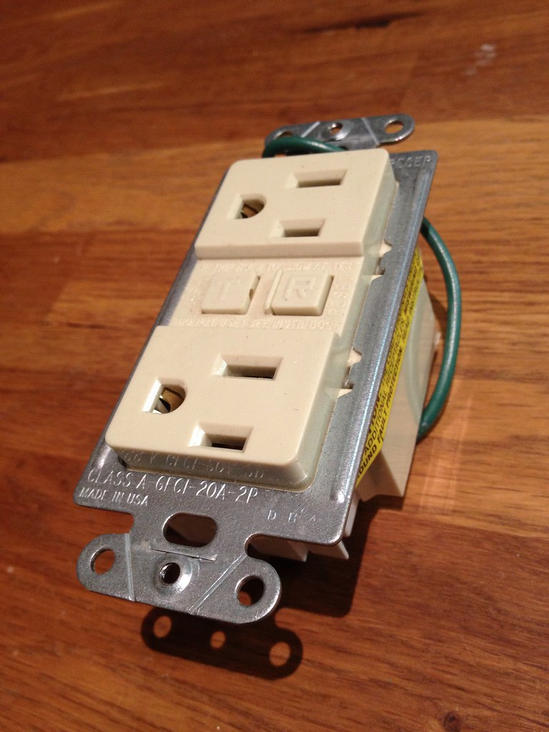 How To Fix A Dead Electrical Outlet additionally B0088XA52Y also Electrical Outlets Side Wire Versus Back Wire together with 281089680801 also T er Resistant Outlet Receptacle Ul2008. on leviton electrical receptacles