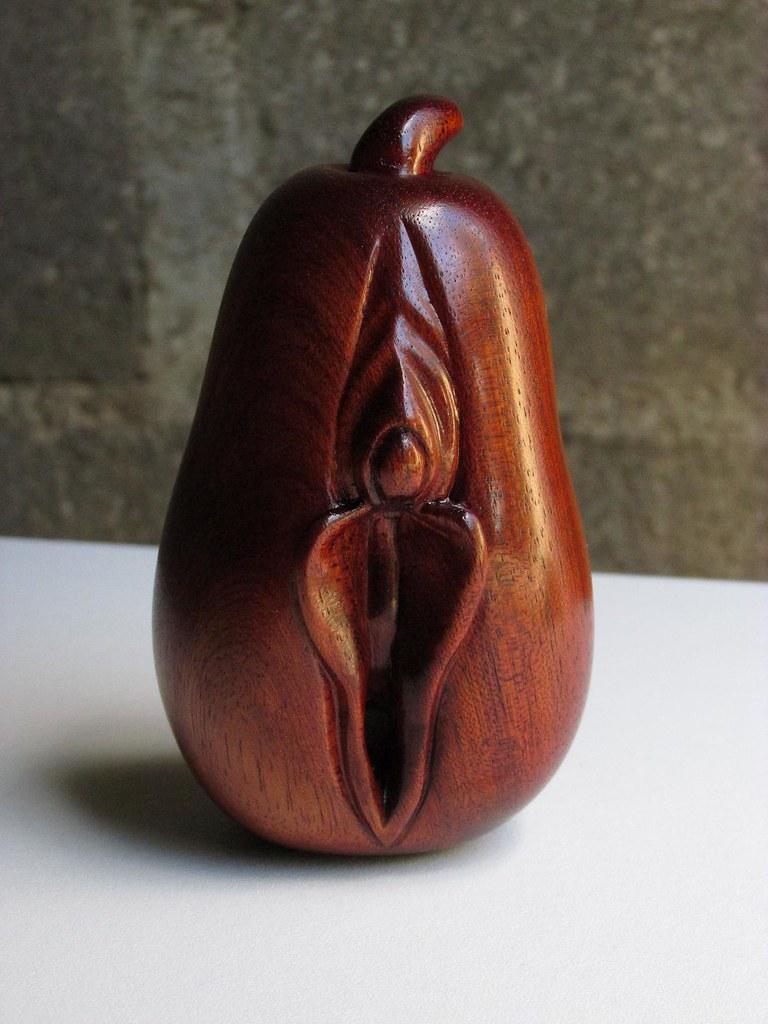 Clit Yoni Pear  Surinam Bloodwood  Cornaboeuf  Flickr-1563