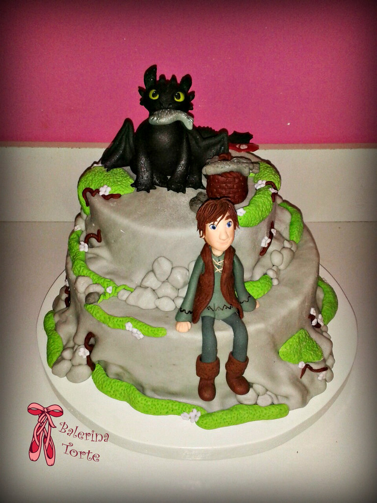 How To Train A Dragon  Teir Cake