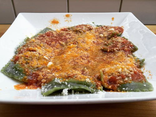 really simple, perfectly seasoned spinach and ricotta ravioli. pretty ...