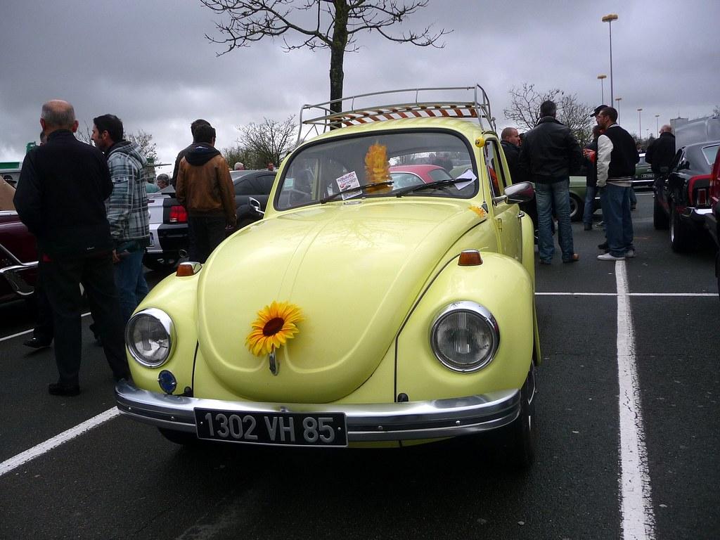 vw flower power beetle la roche sur yon monthly informal flickr. Black Bedroom Furniture Sets. Home Design Ideas