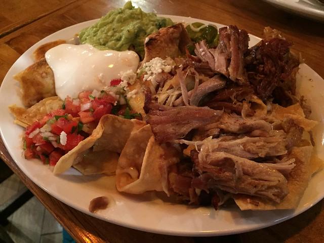 Pork al pastor nachos - Tacos Club