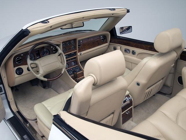 Салон Bentley Azure (модель для рынка США). 1995 – 2002 годы