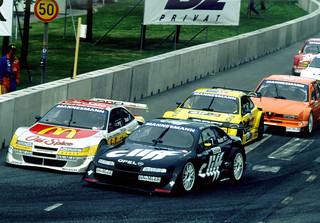 Cliff-Calibra am Start: Opel feiert beim Oldtimer Grand Prix den Gewinn der Tourenwagen-WM vor 20 Jahren