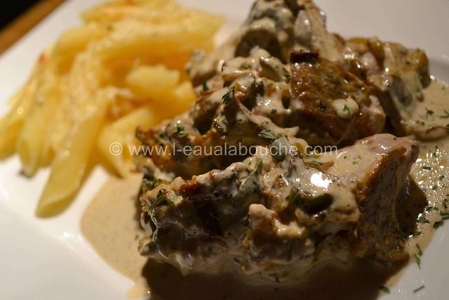 Filets Mignons aux Cèpes & Penne Rigate Gratinés © Ana Luthi Tous droits réservés  015