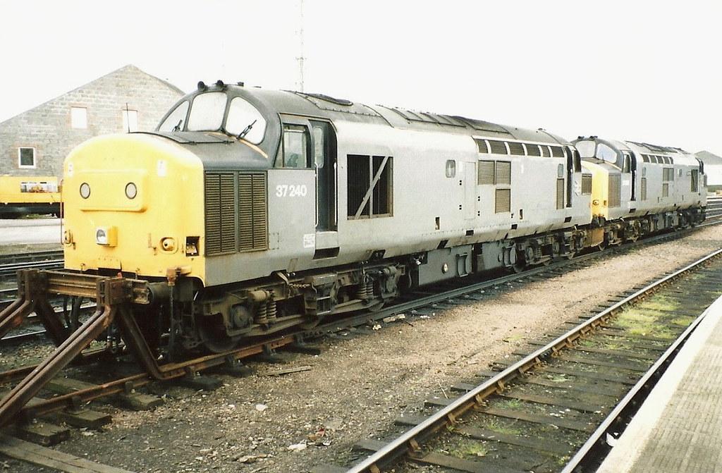 ... BR Class 37s 37240 & 37262 - Aberdeen   by dwb transport photos